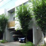 「千歳船橋」駅歩2分 ☆デザイナーズ賃貸マンション3LDK 2階建2階部分 1階の駐車場の空がございます。事務所使用も可能です。